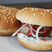 Burgeri delicioși cu ultimele leftovers din casă