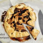 Plăcintă rustică cu mere și merișoare