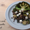 Salată cu linte verde, broccoli și varză de Bruxelles