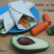 Cheap clean January: Tortilla cu ton picant și legume