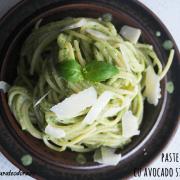 Paste cremoase cu spanac și avocado