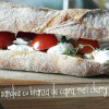 Sandviș cu brânză chevre, roșii cherry și cimbru
