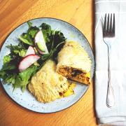 Empanadas cu carne de curcan și stafide