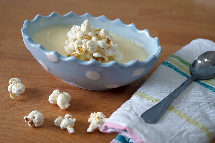 budinca cu popcorn