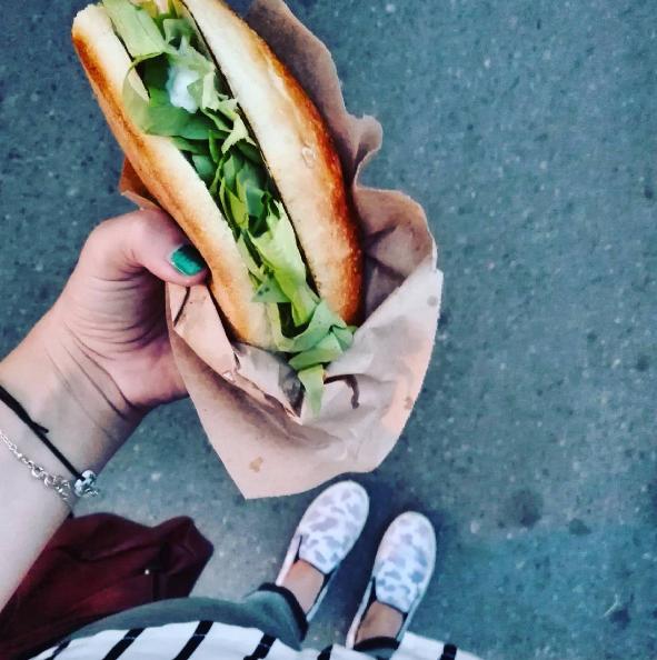 sandvis cu midii
