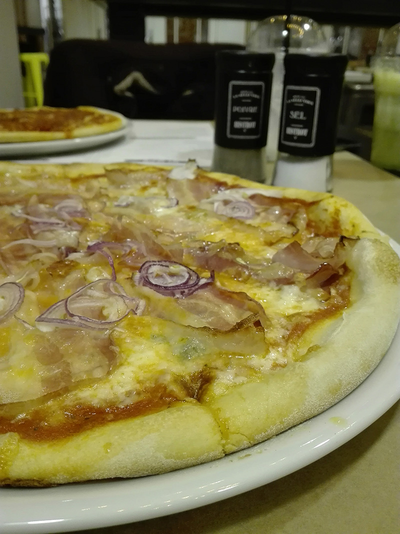 pizza bacon fabrika