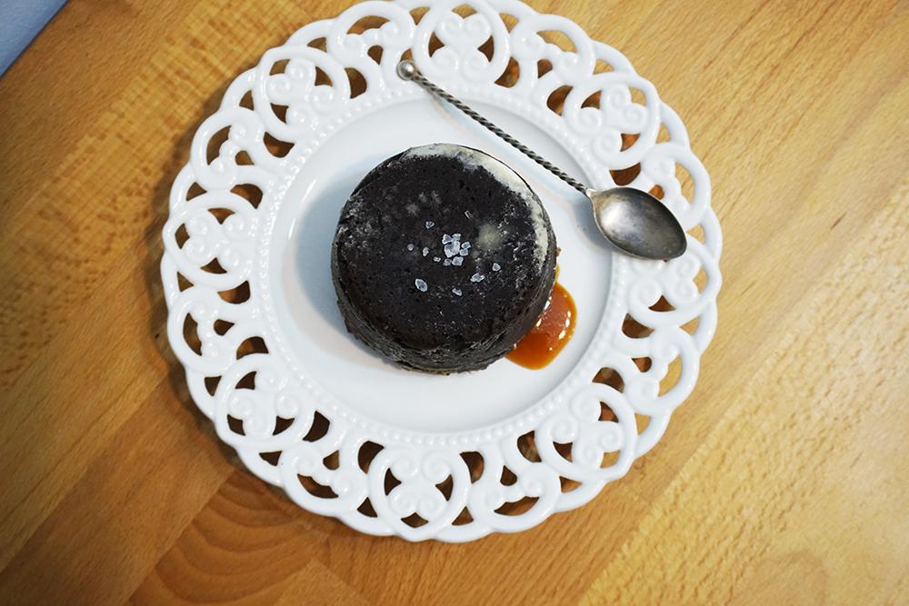lava cake cu caramel sarat2