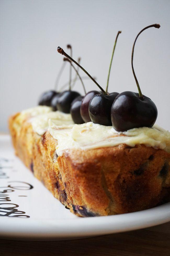 prajitura cu cioco alba si cirese2